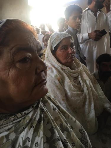 farooq's photo of women